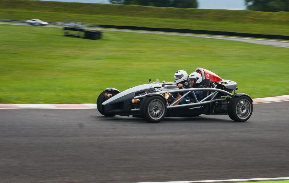Auto wyścigowe Ariel Atom